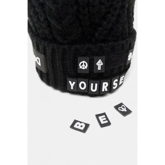 Desigual Soldes Bonnet tricot lettres détachables